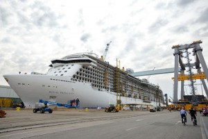 royal princess flote opt 300x200 Celebrity Cruises y Princess Cruises ya presumen de nuevos barcos