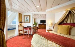 barco Regata, Suite Owners