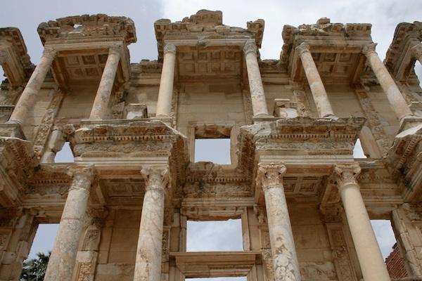 Las 10 joyas arqueológicas en Crucero por el Mediterráneo