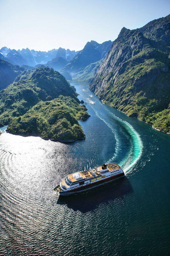 Crucerum Fiordos Noruegos