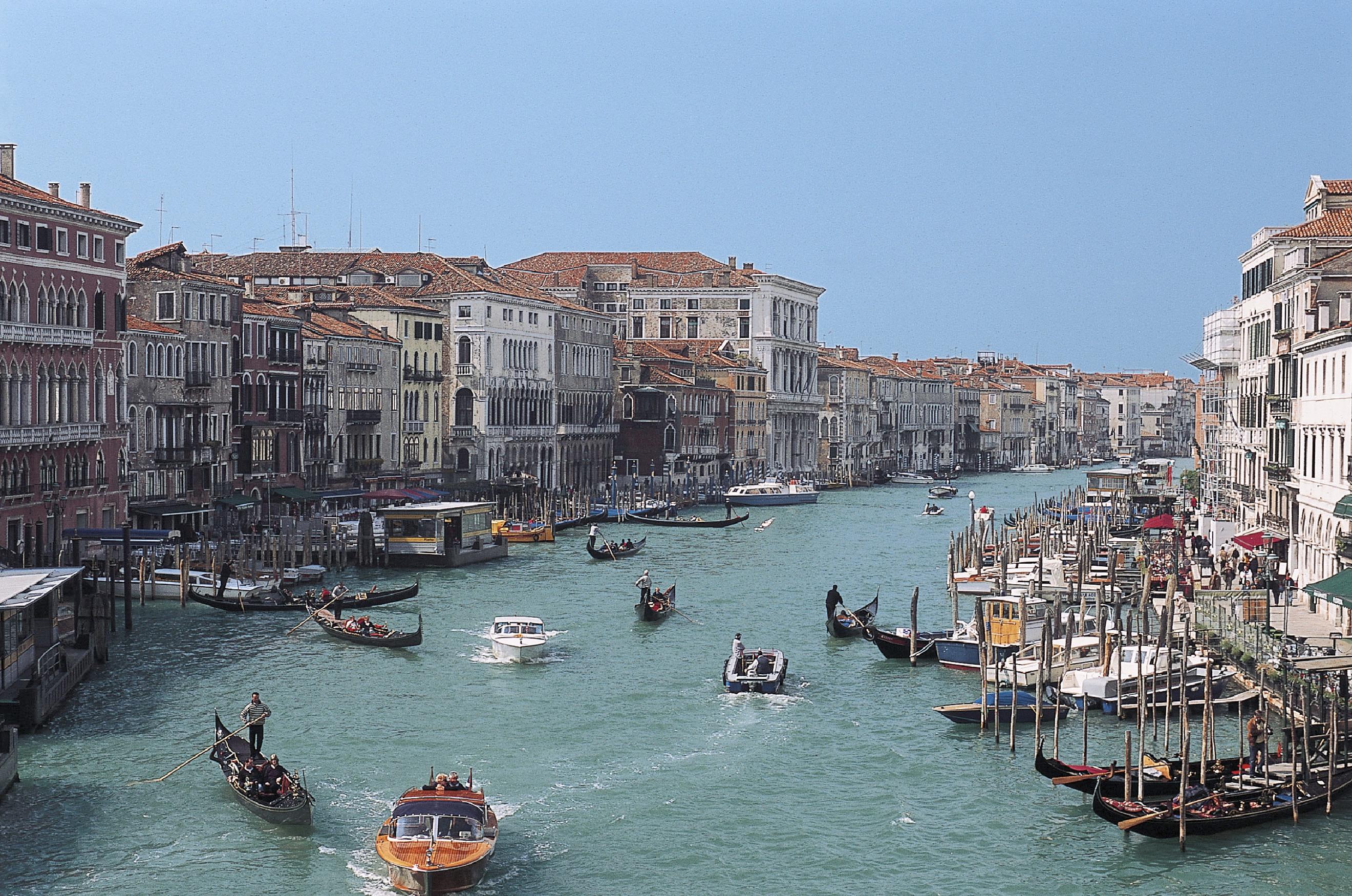 Cruceros desde Venecia: Destinos y consejos
