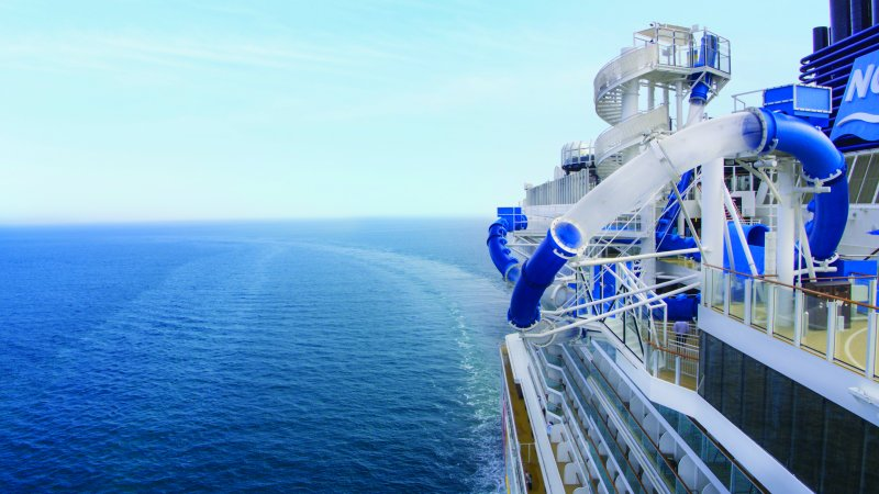 Norwegian Bliss; Norwegian Joy; AquaLoop; Aqua Loops; Waterslide; PoolDeck